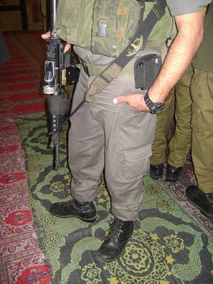 Israeli military drags its boots and guns into Ibrahimi