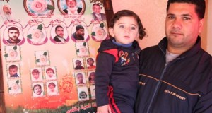 Mohammed al-Dayah (31) with his daughter Qamar (1.5) (Photo: Palestinian Centre for Human Rights)