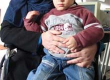 Wafa al-Radea (39) together with her son Iyad (3). (Photo: Palestinian Centre for Human Rights)