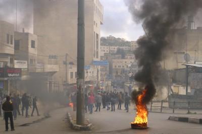 Clashes erupt in Hebron