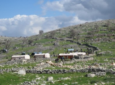 Al-Manatir neighbourhood was attacked by settlers and evicted by Israeli forces (Photo by ISM)