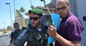 Israeli soldier violently pushes back peaceful demonstrators
