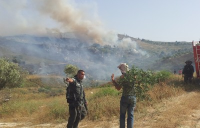 One of the farmers stopped from tackling the fires with what was on-hand (photo: ISM)