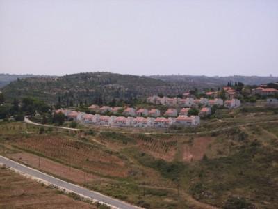 Hallamish settlement, built on Nabi Saleh's land (Photo by ISM)