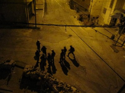 Israeli soldiers in H1 area (Photo by ISM)