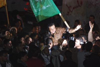 Hundreds greet freed detainees at midnight rally in northern Gaza Strip (Photo by Charlie Andreasson)