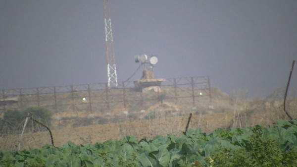 Israeli surveillance technology overlooks Palestinian farmland in Beit Hanoun- Picture taken by Corporate Watch, November 2013
