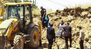 Arwa (top left) and Faryel Abu Haikal climb onto their land to halt the demolition of their property from the Israeli Antiquity Authority, hoping to enforce a police order previously issued (photo by Christian Peacemakers Team Palestine).