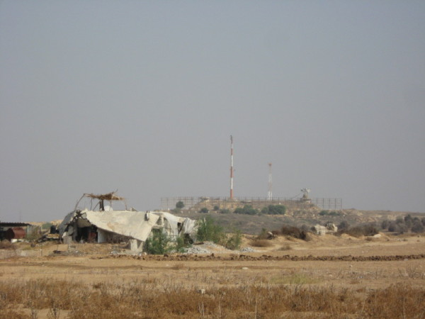 Damaged building in the Beit Hanoun buffer zone, occupied Gaza Strip. Photo by Corporate Watch, November 2013