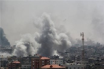 Shells fall on Rafah on Friday (photo from Ma'an Images).