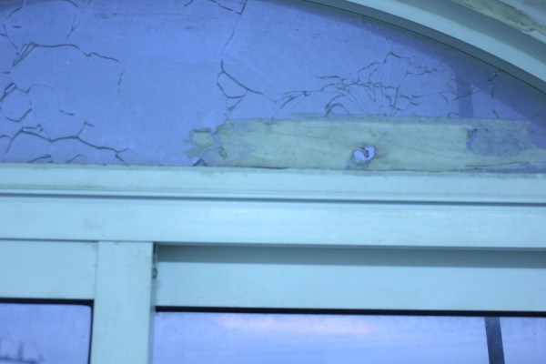 The bullet hole in the Red Crescent building (photo by ISM).