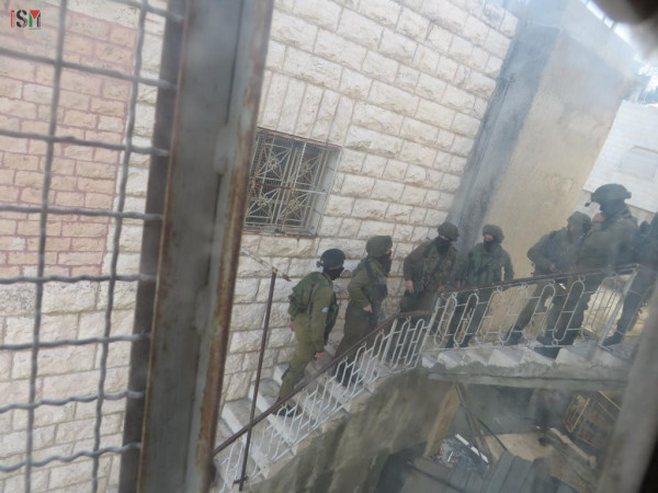 soldiers on stairs