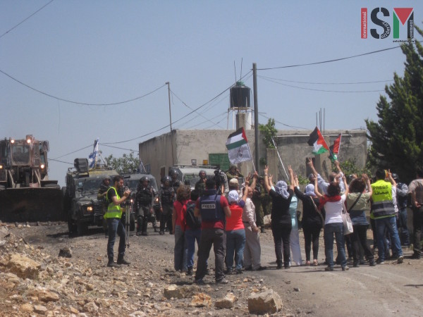 Italian group of women and Kufr Qaddum protesters asking for the opening of the road