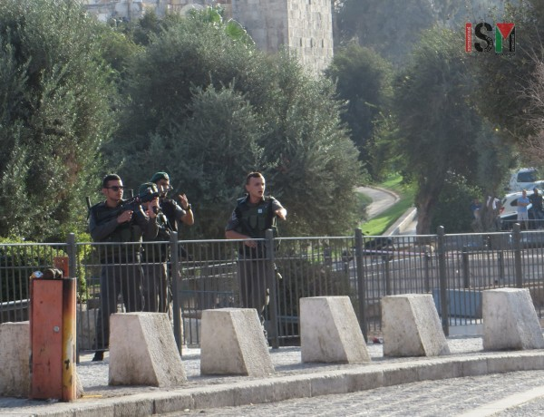 Israeli forces threatening bystanders