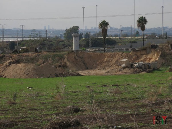Behind the illegal military training field lies the Apartheid Wall that sets the final bounday between the West Bank, and the University's premises, and the State of Israel.