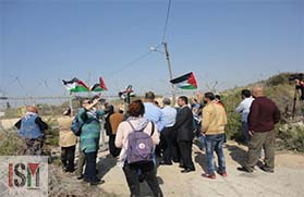 Protesters in Tulkarm against the apartheid wall