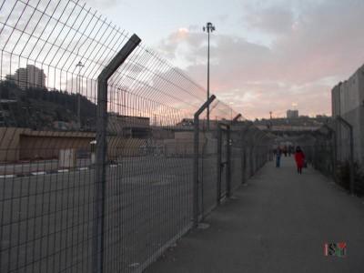 The way towards the Shuafat checkpoint