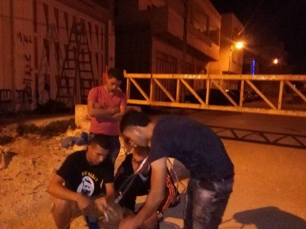 Activists preparing Ramadan lights Photo credit: Youth Against Apartheid